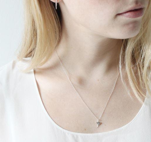 catbird-rose-thorn-necklace