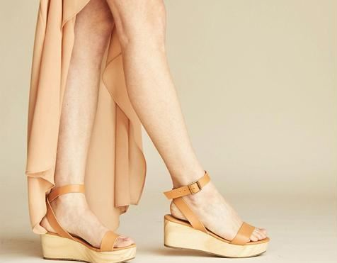 Nisolo Sarita Wooden Wedge Sandal Tan, $158, Photo Cred NIsolo
