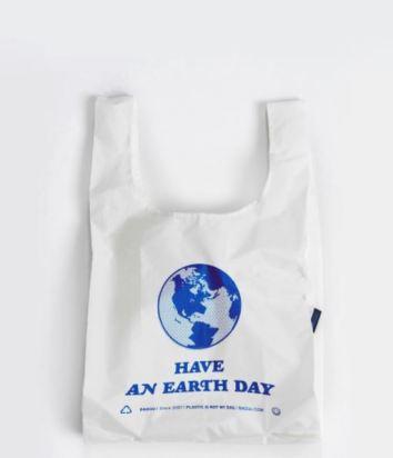 Standard Baggu in Earth Day, $10, Photo Cred Baggu